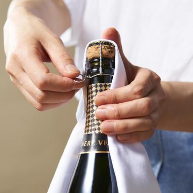 スパークリングワインの開け方_TOP